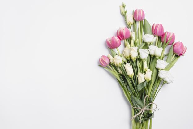 https://www.arteycuero.com/wp-content/uploads/2019/06/ramo-rosas-tulipanes_23-2147749269.jpg