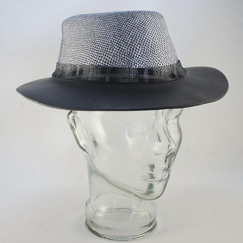 Sombrero de piel