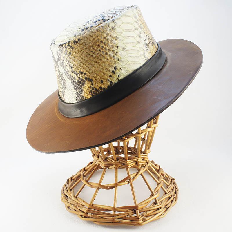 Sombrero de cuero y print animal