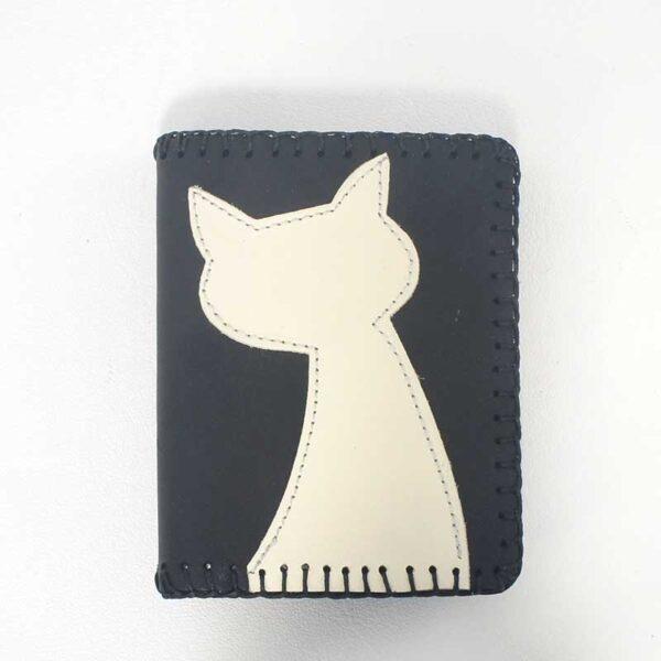 mini bolso de piel marrón